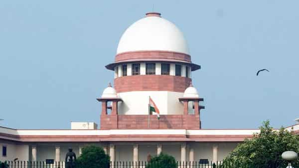 Supreme Court expresses concern over violation of verdict and social distancing rules