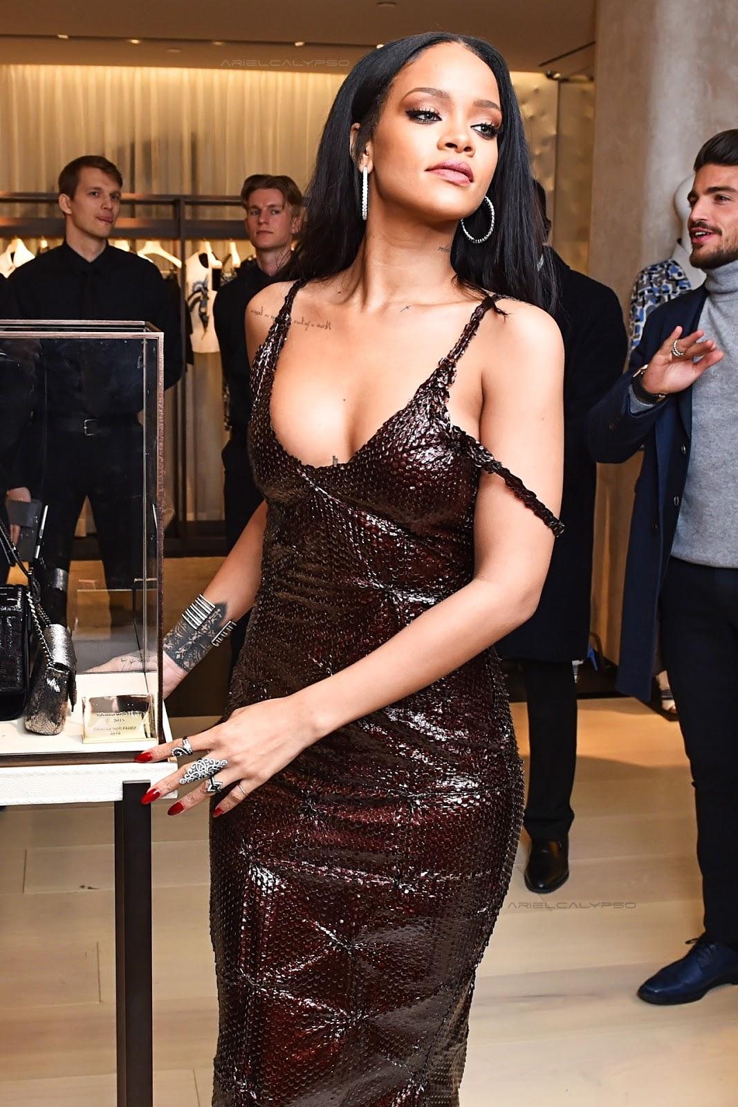 Collar Bone Quote Tattoo of Rihanna