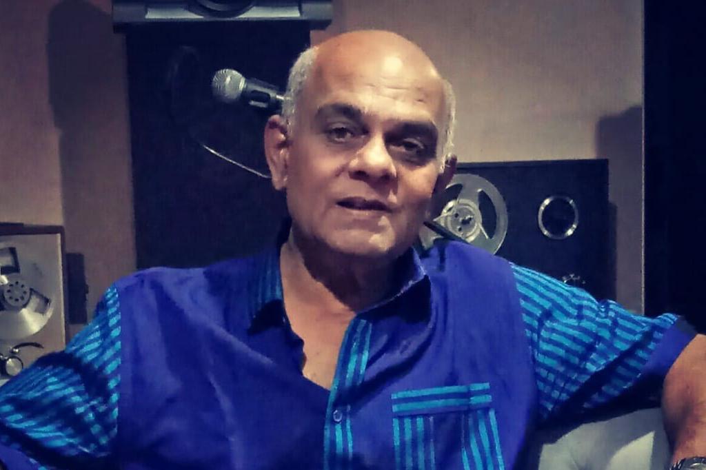 කලා කෙත අස්වද්දන සොඳුරු මිනිසා – Interview with Priyananda Wijesundera by Niranjan Herath
