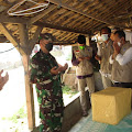 Kunjungi Warga Jompo Di Cicantayan, Danramil 0607-11/Cibadak Salurkan Bantuan Sembako
