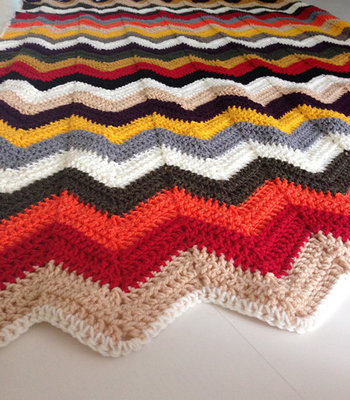 Crochet blanket, fall colors (Photo by WinkelvanGinkel) | Happy in Red