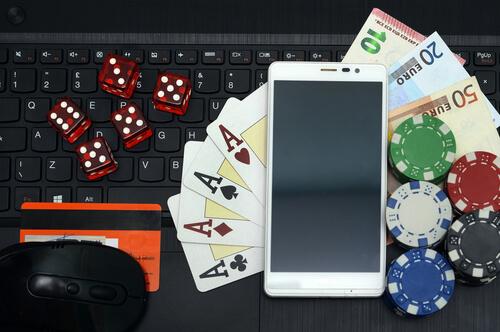 Cara Bermain di Agen Poker Online Menggunakan Smartphone