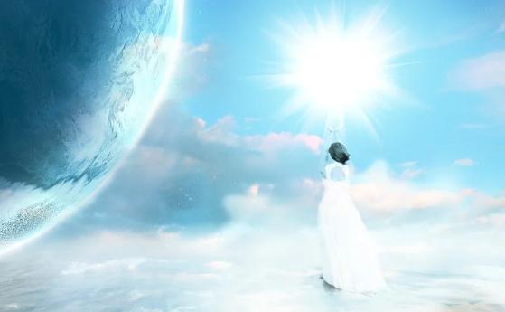 A imagem mostra uma mulher de costas, vestindo um longo vestido branco subindo em direção a uma luz muito forte, ao lado podemos ver o planeta terra.
