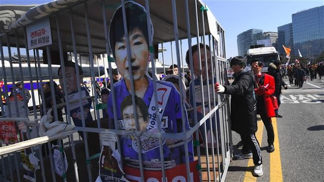 Supporters of ousted South Korean president, Park Geun-hye hold rally in Seoul