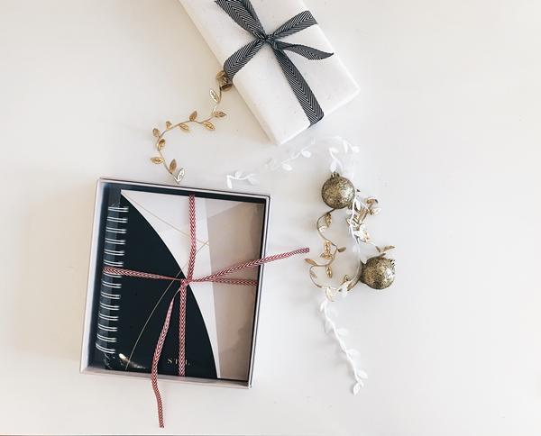 Agenda dentro de uma caixa de presente de Natal