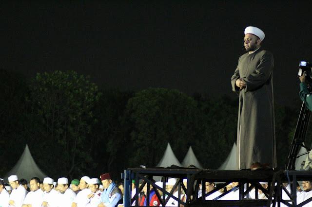 Syekh Dr Adib dari Palestina Imami Sholat Tahajjud Berjamaah di Milad FPI ke-21