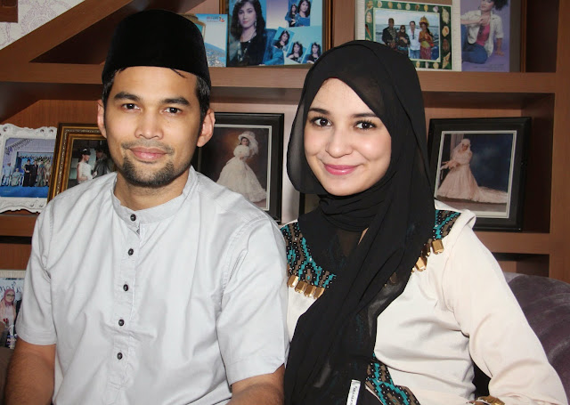 Shireen Sungkar berhijab
