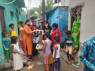distributing-sanetry-pad