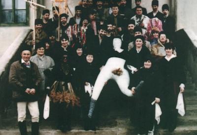 25 év a farsangtemetőkkel - Andrási Ilona nyugalmazott tanárnő gyűjteménye