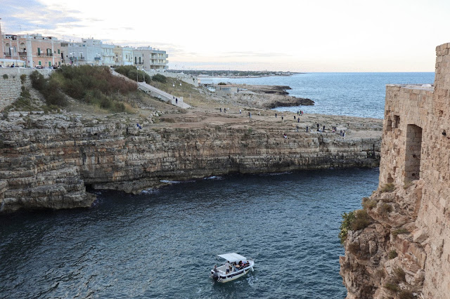Quick guide to Polignano a Mare, the famous Puglian beach viewpoint