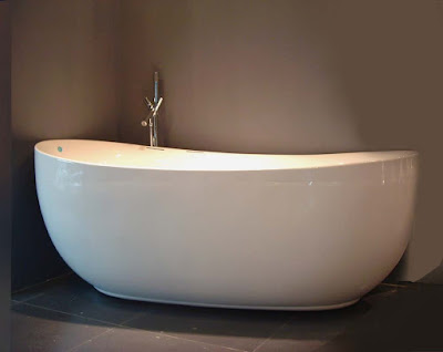 Burly Wood Elegant Bathroom Bathtub with Freestanding White