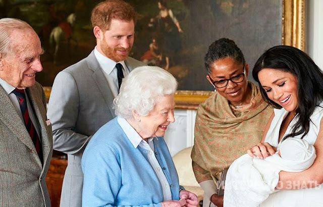 Меган Маркл и принц Гарри показали лицо сына вблизи