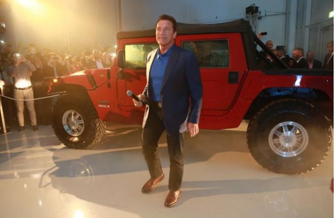 Mirip Jip Perang, Mobil Arnold Schwarzenegger Siap Tempur Melawan Skynet?
