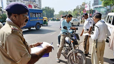 डीएल-आरसी नहीं दिखाने पर तत्काल चालान नहीं काट सकती ट्रैफिक पुलिस - सुप्रीम कोर्ट जाने क्या हैं ट्रैफिक नियम