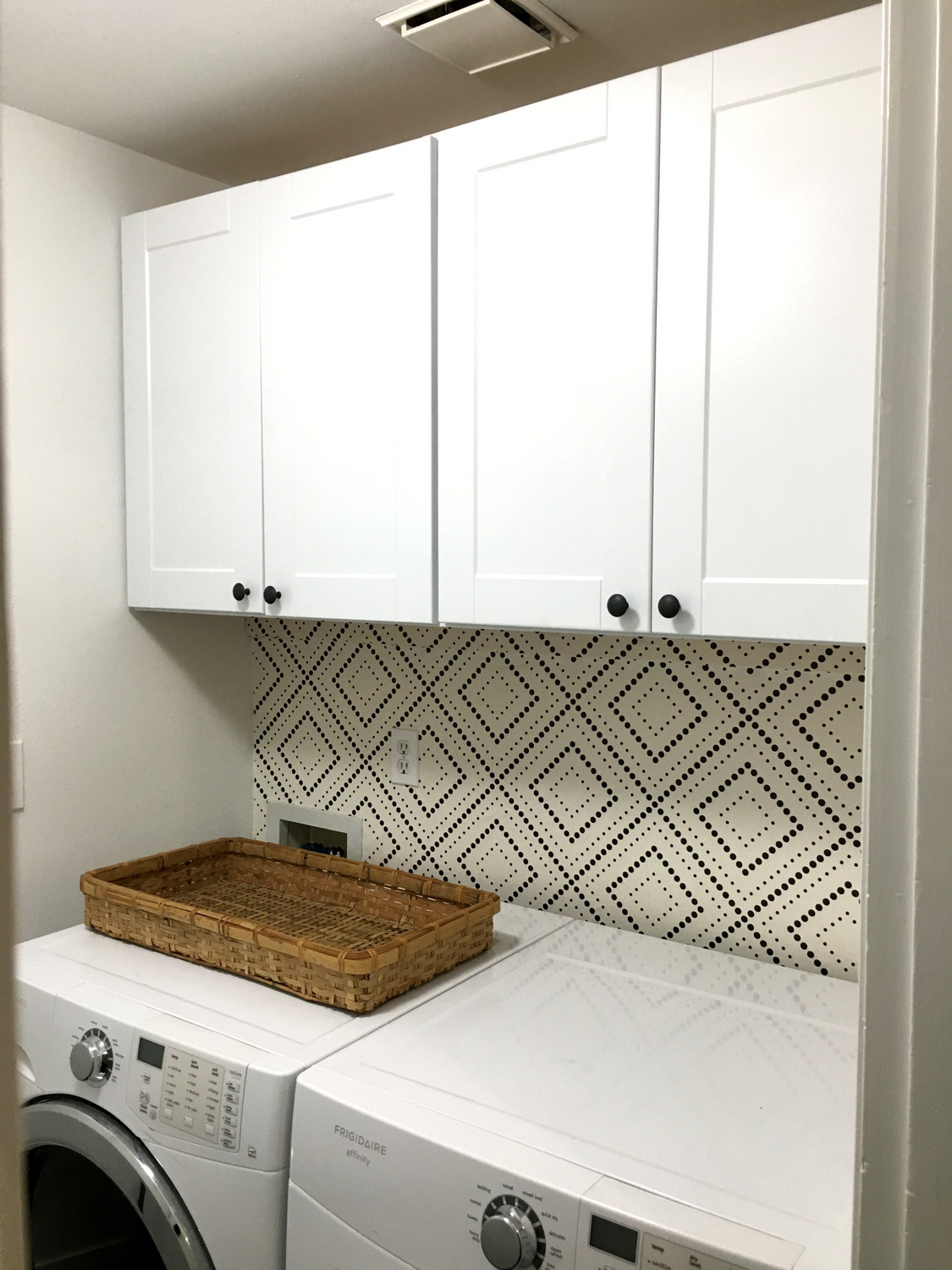 Laundry Room Wallpaper Hang Removable Wallpaper Horizontally Walls Need Love Geometric
