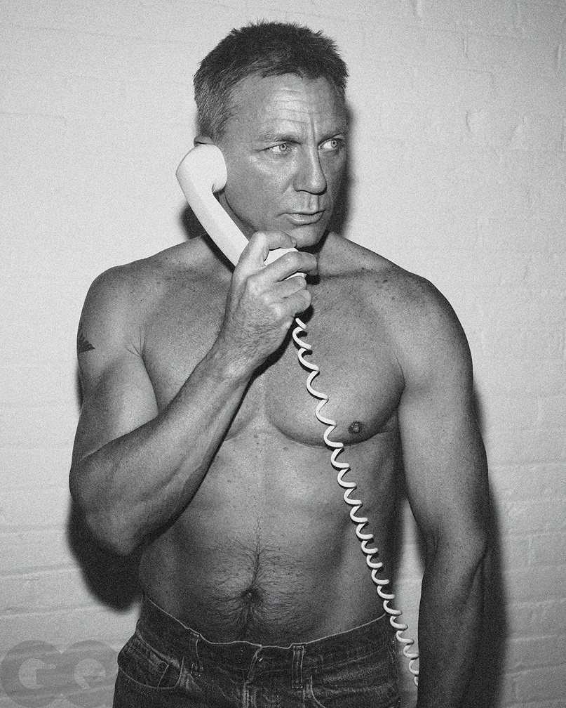 Daniel Craig Poses Shirtless For GQ As He Reflects On Final James Bond Film