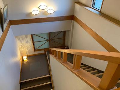 新館の階段
