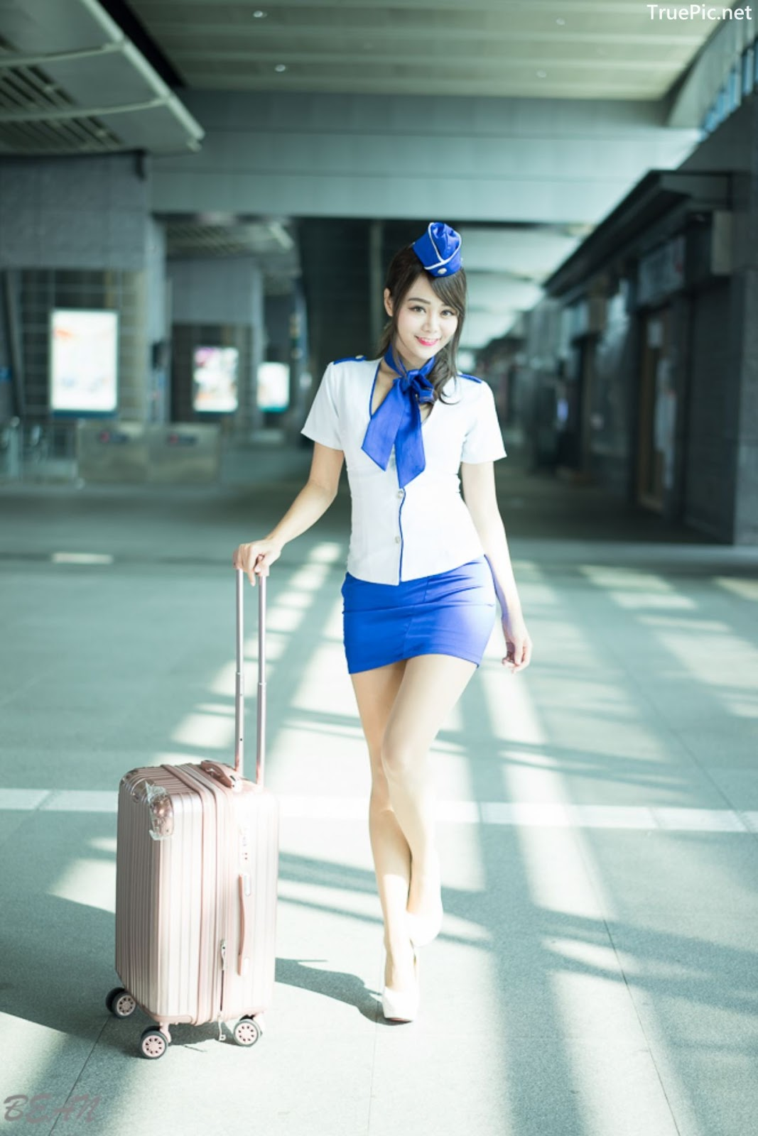 Image-Taiwan-Social-Celebrity-Sun-Hui-Tong-孫卉彤-Stewardess-High-speed-Railway-TruePic.net- Picture-2