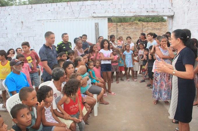 Ação solidária: vereadora Vera Lúcia distribui cestas básicas e brinquedos a famílias carentes do Recanto dos Pássaros