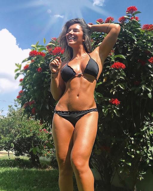 Vitoria Gomes Hot & Sexy Pics