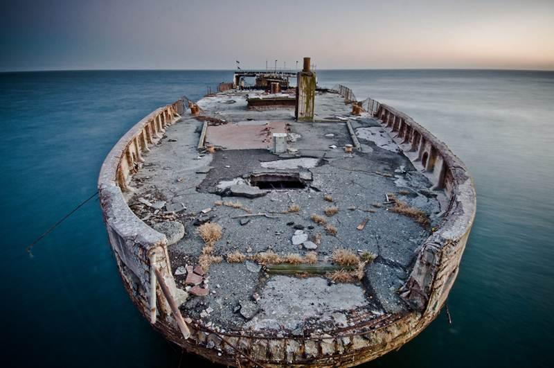 ferro cement barge, concrete warship, concrete barge, concrete sailboat, concrete liberty ships, concrete fleet, concrete hull sailboat, concrete shipwreck