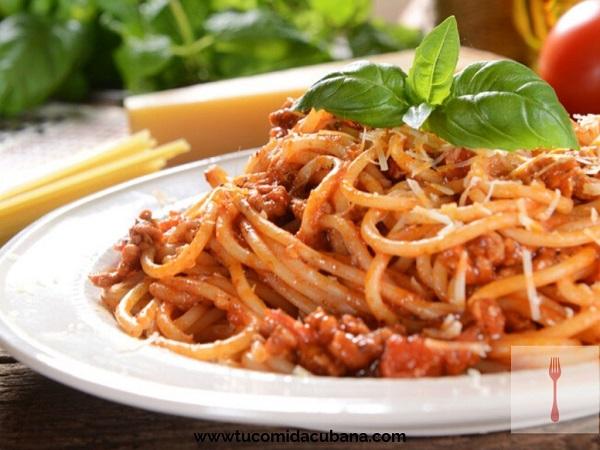 ✔️ Espagueti a la Bolognesa - Receta Cubana