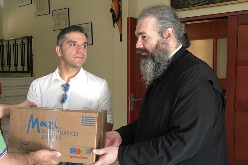 Διανομή δεμάτων από την ΑΠΟΣΤΟΛΗ και τον ΜΑΣΟΥΤΗ σε 100 άπορες οικογένειες της Αλεξανδρούπολης