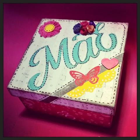 """Caixa decorada com Scrapdecor """"Mãe"""""""