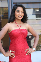 Mamatha sizzles in red Gown at Katrina Karina Madhyalo Kamal Haasan movie Launch event 096.JPG