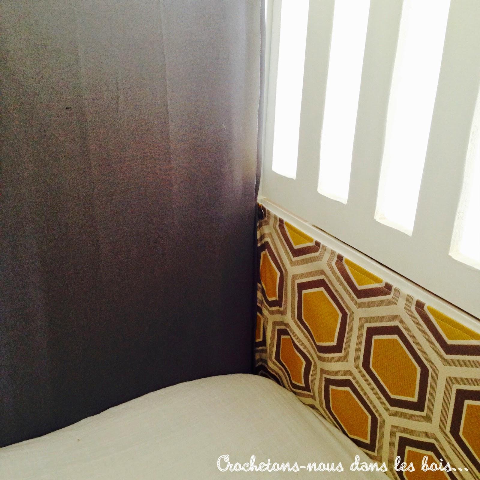un tour de lit sur mesure pour baby boy crochetons nous dans les bois. Black Bedroom Furniture Sets. Home Design Ideas