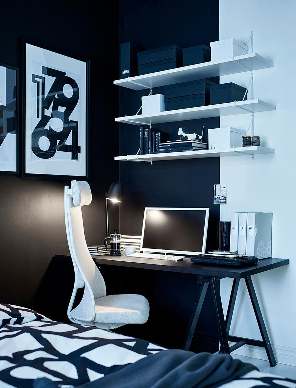 catálogo ikea 2020 dormitorio blanco y negro decoración silla blanca y escritorio negro