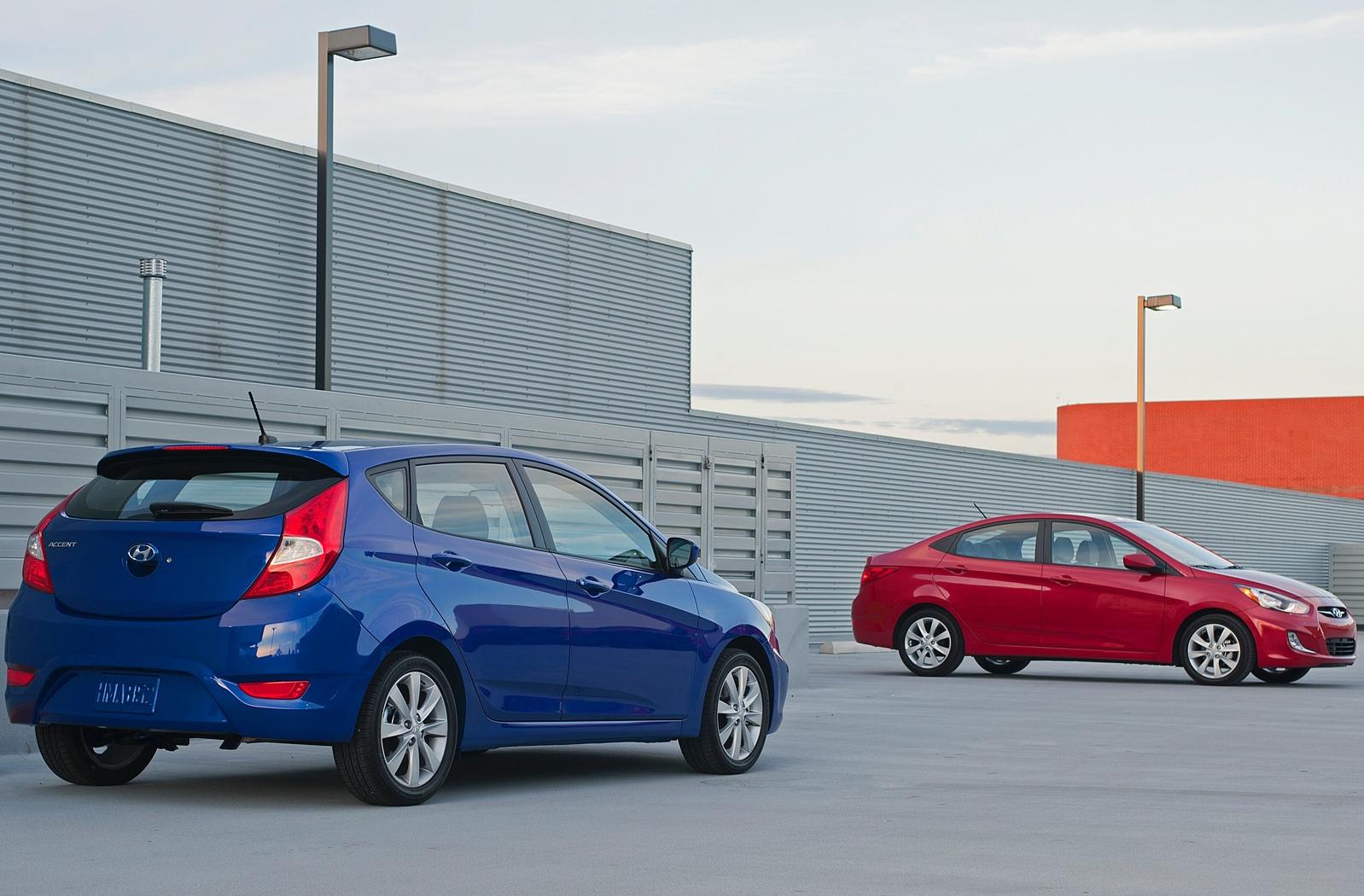 Hyundai Accent 2012mpg >> 2012 Hyundai Accent Pictures Price Specs And Fuel Economy