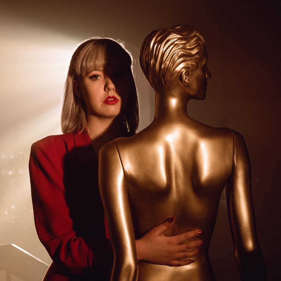 """""""Venus"""" é a nova balada aditiva de Sólveig Matthildur"""