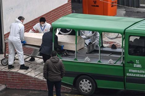 """57 ألف إصابة بـ""""كورونا"""" في تركيا .. والأزمة تطيح بوزير الداخلية"""