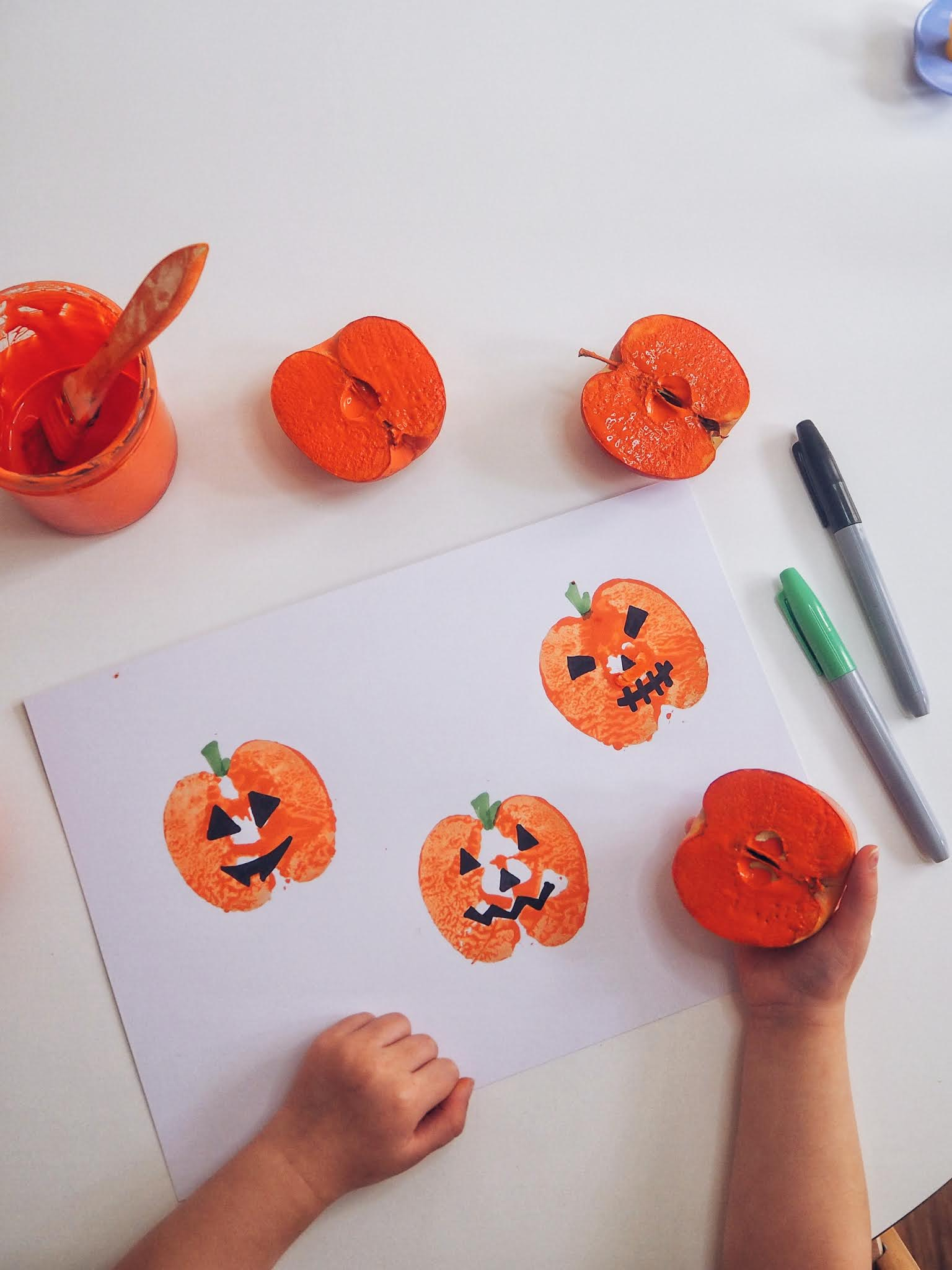 Toddler halloween pumpkin craft
