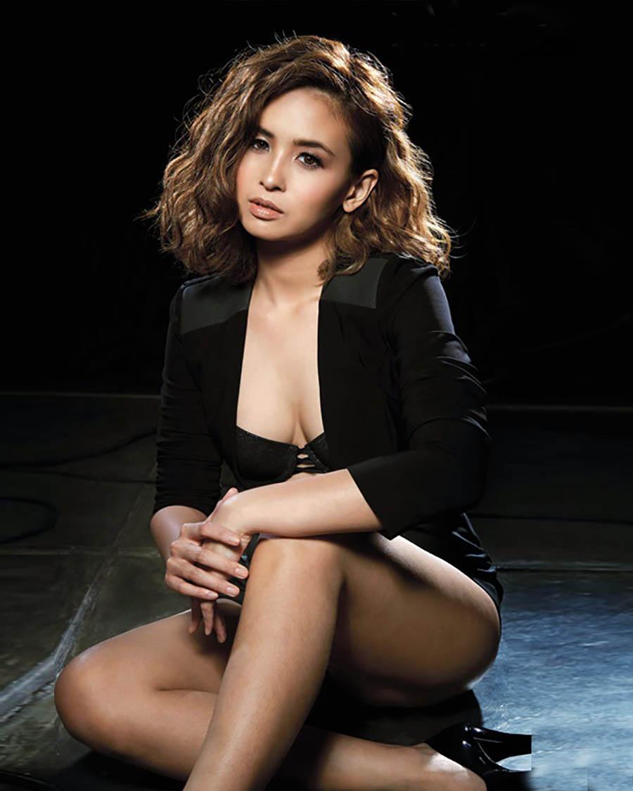 Ayushita pamer bra seksi dan hot