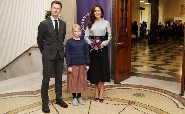 Crown Princess Mary wore a Banora gathered-neckline silk-blend blouse by Hugo Boss. Dulong diamond pearl earrings