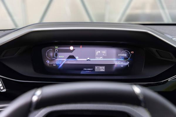 Novo Peugeot 308: início de produção comemora 211 anos de existência da marca