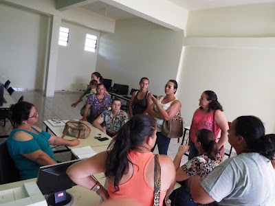 BORRAZÓPOLIS...Mães se reúnem com secretária de educação..Motivo o corte do transporte escolar no período da tarde