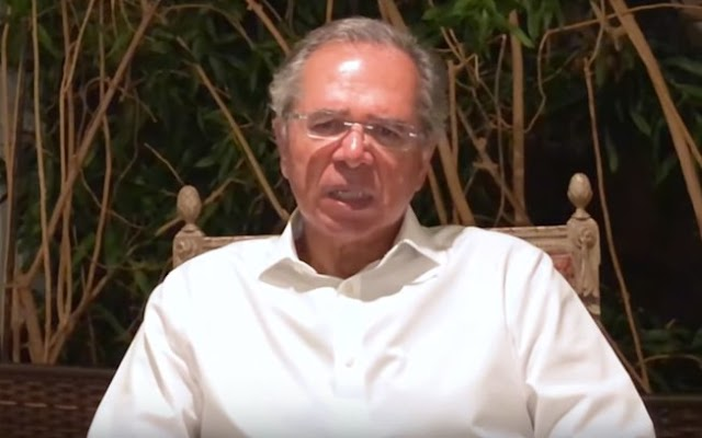 """Guedes chama privatização do SUS de """"insanidade"""" e diz que sequer foi cogitada"""