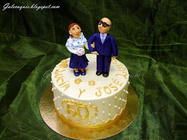 Tarta  50 aniversario con figuras de fondant