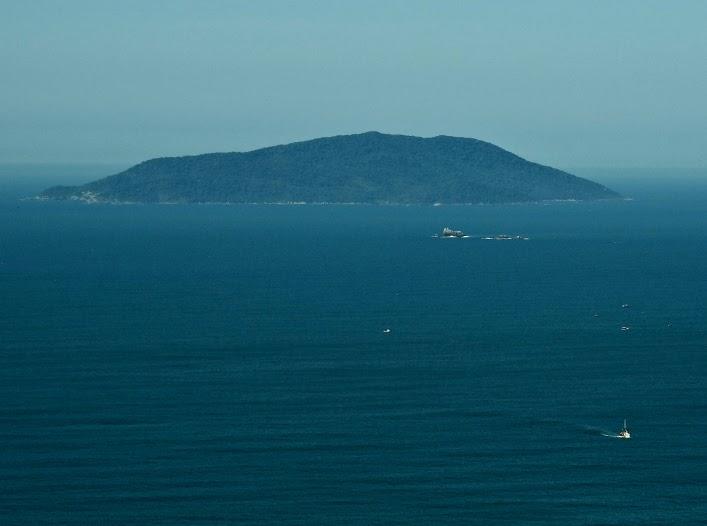 Ilha do Arvoredo, Bombinhas