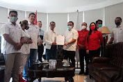 Calon Walikota Bitung Maurits Mantiri Terima Formulir B1KWK dari Partai Perindo
