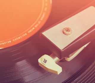 LadyDpiano: Vinyl Grooves