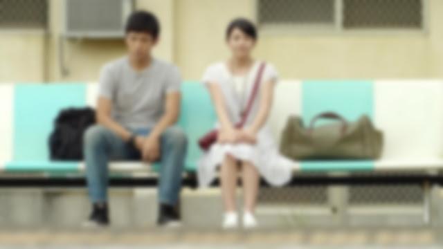 [Fanfiction] You Are The Song Of My Life - Bagian 4 - Jinyoung dan Bella menunggu kereta sambil mengobrol