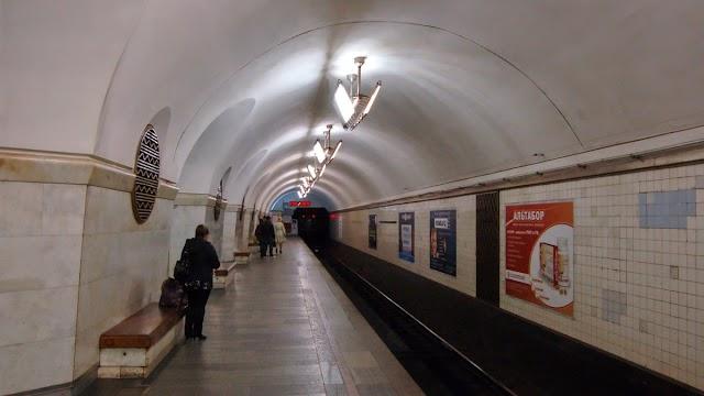 У київському метро на колію впала дитина, – ЗМІ