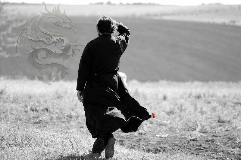 """O filme """"Lost in Translation"""", da diretora Sofia Copolla, narra a passagem de dois americanos pelo Japão. Em vários momentos, os personagens parecem ter perdido o sentido na tradução de alguma ação ou fala, bem como ficam perdidos na compreensão da cultura japonesa em quase sua totalidade."""