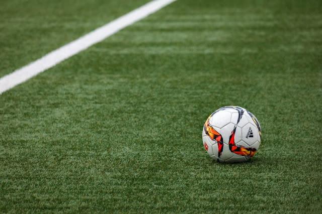 fotbal amator
