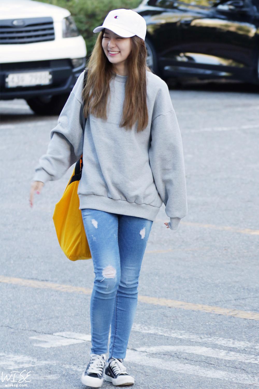 Fashion Fashion Magazine: Red Velvet Seulgi Airport Fashion