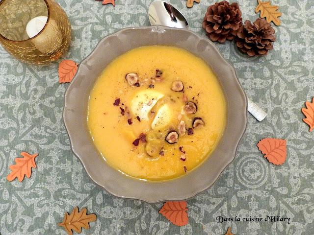 Velouté de courge butternut, noisettes & son œuf mollet